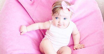 DAS sind die schönsten französischen Babynamen für Mädchen