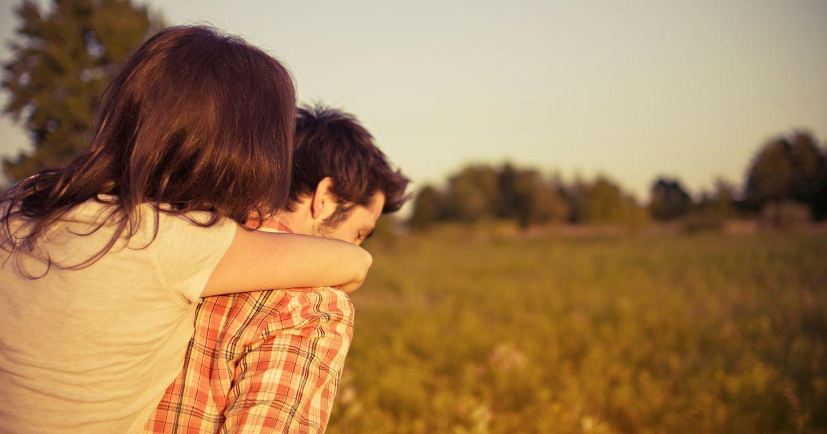 Das passiert mit unserem Körper, wenn wir umarmt werden